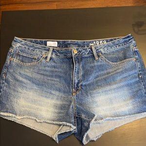 "NWOT GAP Denim ""Slim Cut-Off"" Shorts Size 34 / 16"